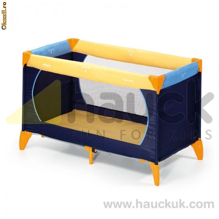 Продаю в отличном состоянии манеж-кровать и матрац (оба очень компактно...